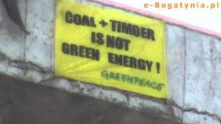 Aktywiści Greenpeace wdarli się na komin Elektrowni Turów [e-Bogatynia.pl]