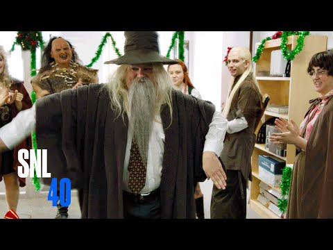 Bonus Footage: Hobbit Office (Martin Freeman)