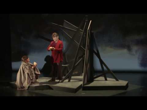 """Vidéo """"TRAVERSÉE"""" d'Estelle Savasta mis en scène par Marc Toupence"""
