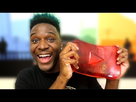 GIANT GUMMY PLAY BUTTON! | 3 MILLION SUBSCRIBERS REWARD UNBOXING!