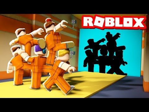IMPOSSIBLE HOLE IN THE WALL IN JAILBREAK!? (Roblox Jailbreak Crusher)