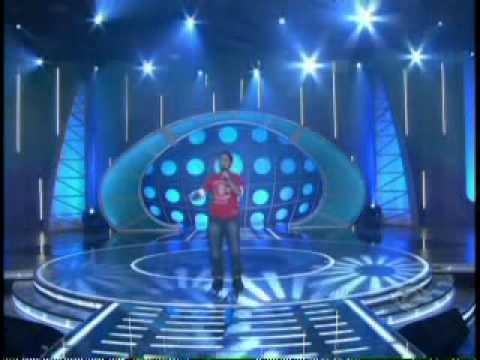 BRAZILIAN BOY SINGS LIKE nickelback-far away