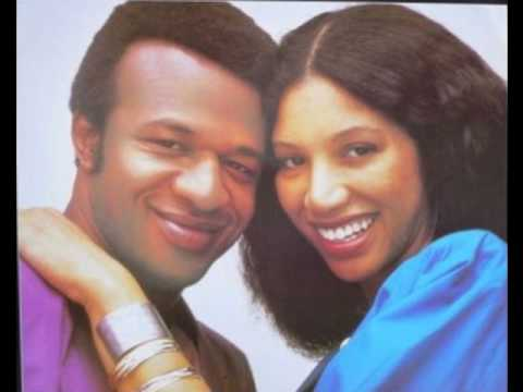 Womack & Womack - Baby I'm Scared of You
