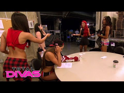 Tensions Rise Among The Divas Division: Total Divas, July 7, 2015