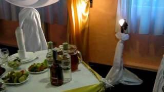 Золотая коллекция, чехлы на стулья, фон из ткани, цветы, украшение стола, шары, свет, кафе Глория зеленый зал 25 09 10