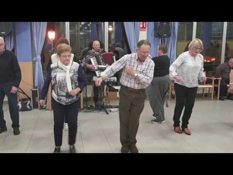 VÍDEO Jubilados de Nava bailan No Rompas Más