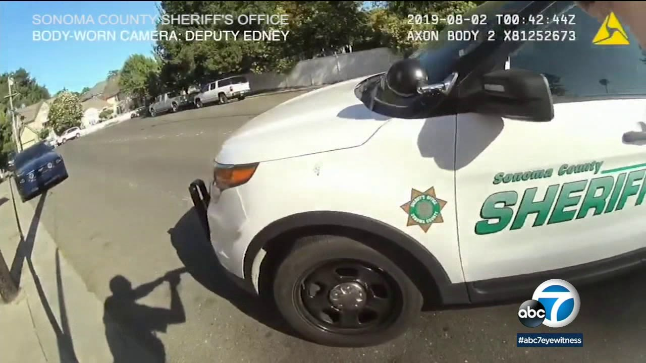 BODYCAM: Sonoma County officer opens fire as attempted stabbing suspect jumps in cruiser | ABC7