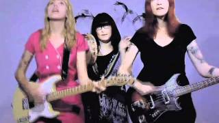 Vivian Girls - Tell The World