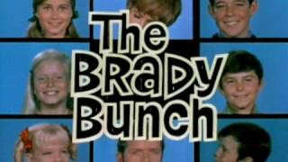 The Brady Bunch (1969) Restored opening titles.