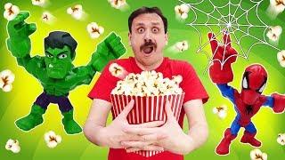 Video divertenti con Supereroi. Nuova ricetta per cucinare pop corn.  Episodi in italiano
