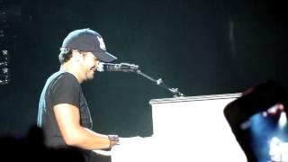 """Luke Bryan NOLA 4/7/12 """"limp mic"""""""