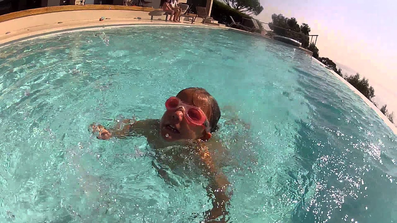 Cours natation ava 3 ans et demi nage le grand chien et for Piscine cours de natation