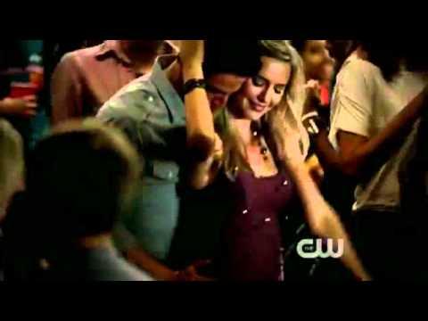 The Vampire Diaries 3x01 - Caroline