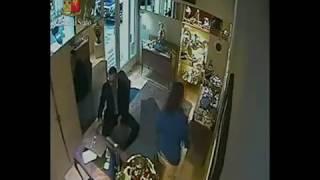 Violenta rapina a Milano, individuati gli autori thumbnail