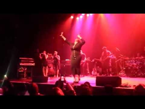 "Jazmine Sullivan ""Bust Your Windows"" Live at Gramercy Theatre NYC"