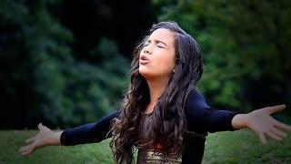 Narriman Vitória - Adore com a Alma (Clip Oficial) thumbnail