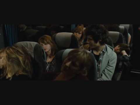 LOL   Maël et Lola dans le bus