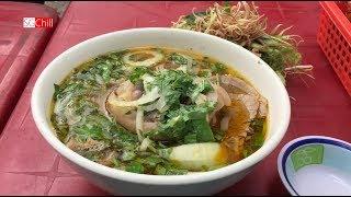 Ăn Trưa Bún Bò Huế vỉa hè, sâm bổ lượng và chè đậu Sài Gòn