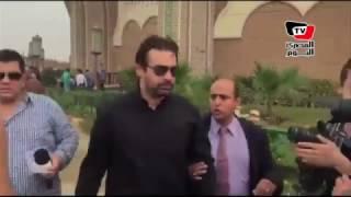 كريم عبد العزيز وأحمد السقا في جنازة الراحل محمود عبد العزيز