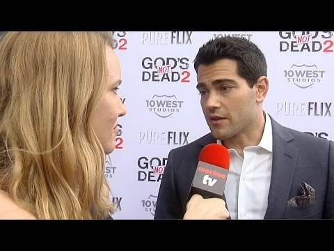 "Jesse Metcalfe Interview ""God's Not Dead 2"" Premiere Red Carpet"