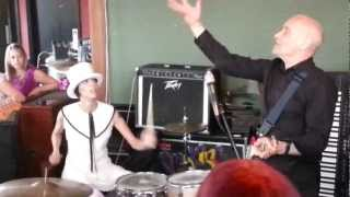Wilko Johnson - She Does It Right live at The Railway Hotel Southend 24th Aug 2012