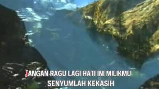 Yulia Yasmin - Kunanti Jawabmu [OFFICIAL]
