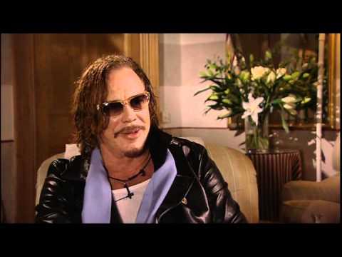 Mickey Rourke - The Wrestler Interview - YouTube