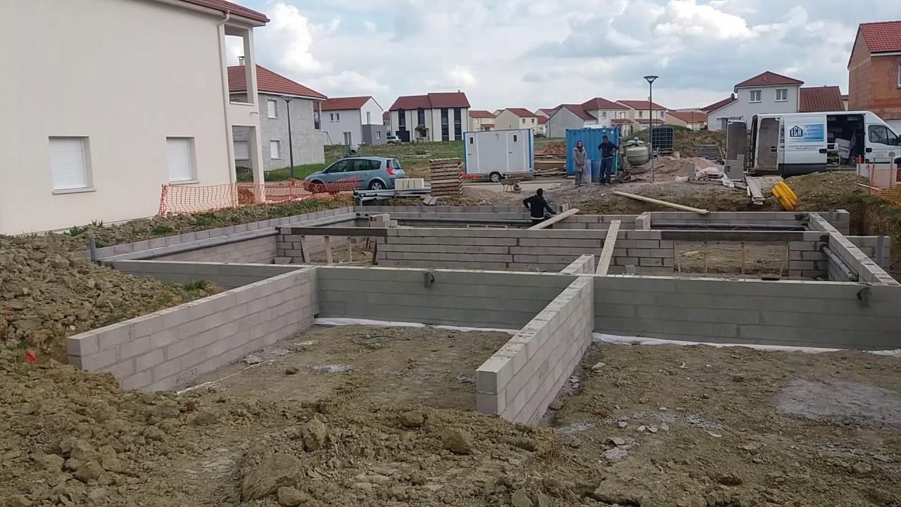 Construction du vide sanitaire maison avec ecr youtube - Vide sanitaire maison passive ...