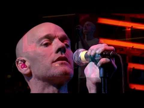 R. E. M. -Everybody Hurts (Live at Glastonbury 2003) HQ