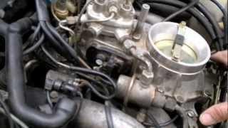 Unruhiger Motorlauf Mercedes M102 1,8  Video  II