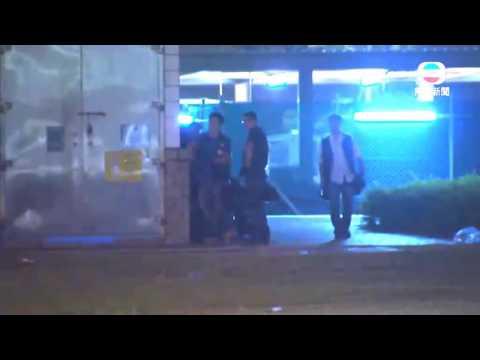 Seven Hong Kong Police Officers Attack Ken Tsang (TVB News)