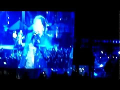 Guns N Roses – Don't Cry Live in Mumbai