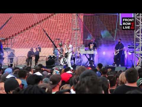"Machine Gun Kelly Performs ""Kiss The Sky"" at Pandora Sounds Like Summer"