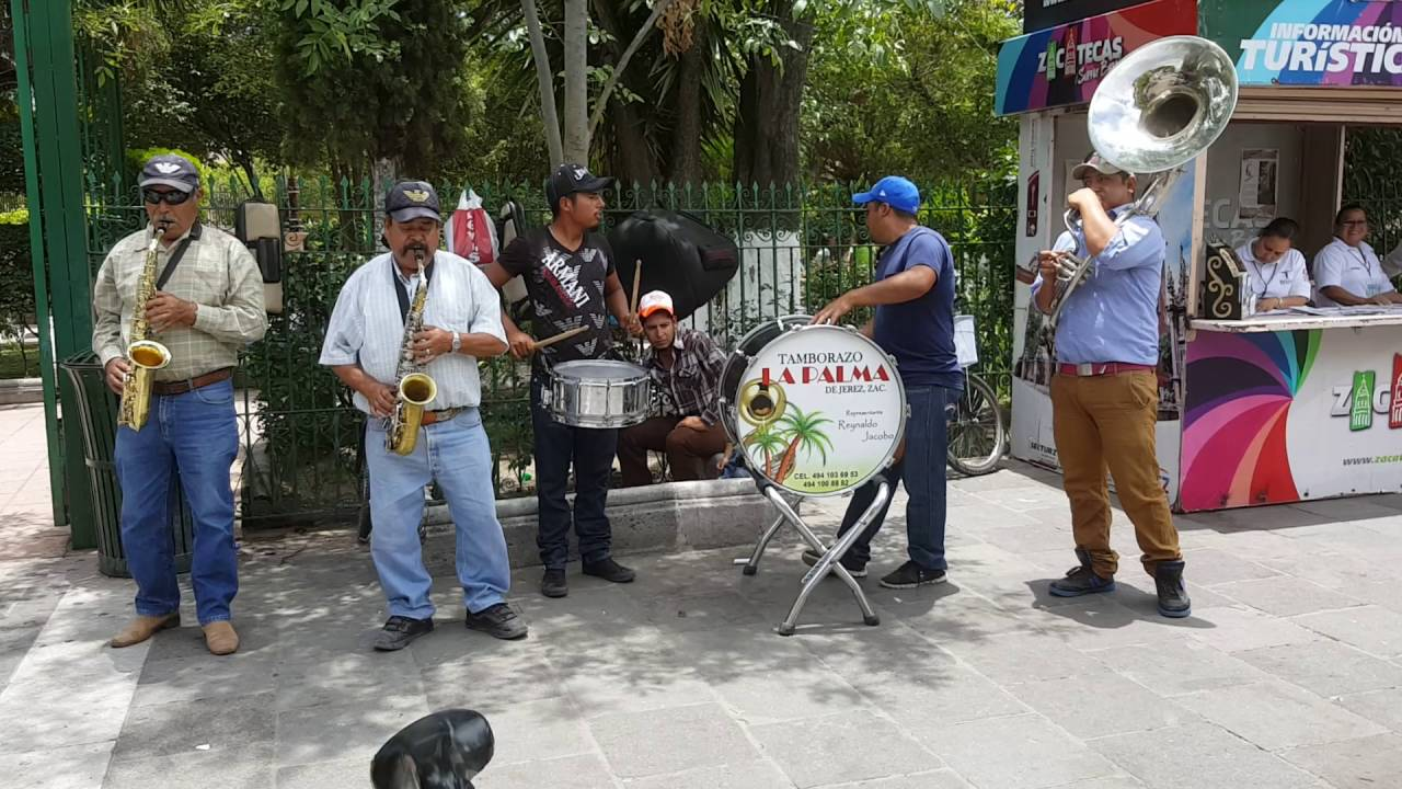 Tamborazo en el jardin de jerez zacatecas youtube for Cancion el jardin