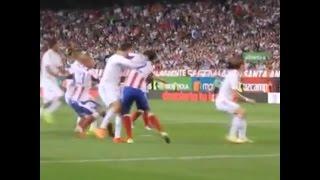 La agresión de Cristiano Ronaldo a Godín
