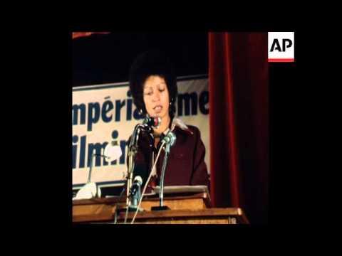 SYND 6 5 77 BLACK AMERICAN MILITANT ANGELA DAVIS SPEAKS AT RALLY