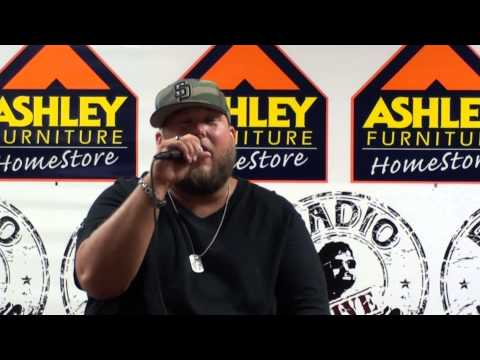 """Big Smo performs """"Redneck Rich"""" from his new album """"Kuntry Livin'"""""""