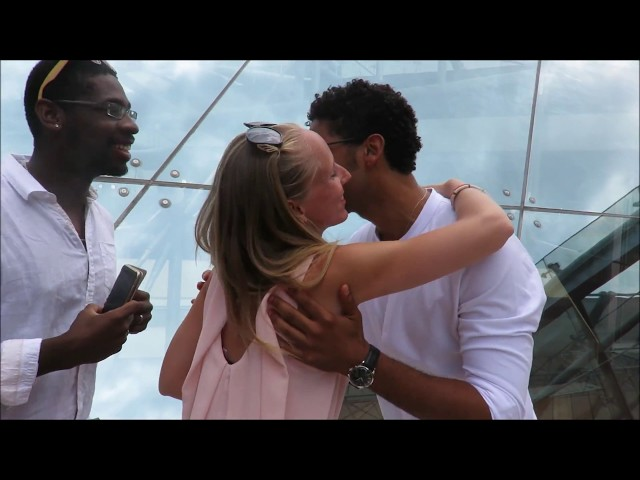 JUSSIE SMOLLETT meeting french fans & singing for them - MONTE CARLO TV FESTIVAL
