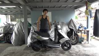 ヤマハRSZ100ポリタンクの積めるスクーター:台湾は良い国です