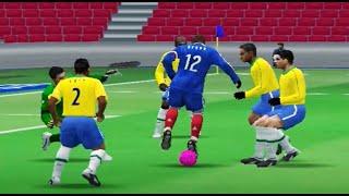 Si creías que eras bueno jugando PES 6, mira este vídeo