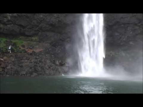Hike to Wailua Falls Kauai 2014