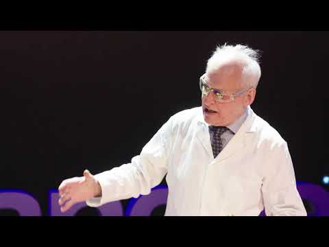 An Explosive Passion For Teaching Chemistry | Andrew Szydlo | TEDxManchester