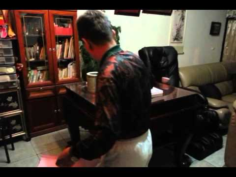 老爸過年清掃神明桌示範@宜蘭Part1_20130209