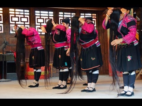 Red Yao Hill Tribe Long Hair Performance at Lonji Longsheng Rice Terrace in Guilin, China (瑤族 -  瑶族)
