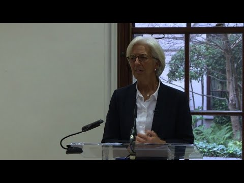 IMF chief Lagarde urges mutually beneficial Brexit deal