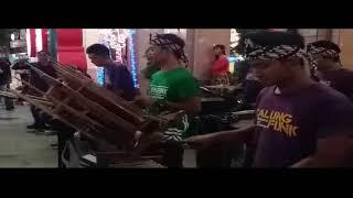 Meraih Bintang Ala Musisi Angklung Yogykarta