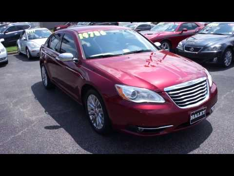 2013 Chrysler 200 Limited V6 Walkaround, Start up, Tour and Overview