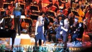 לשיר איתך... בועז שרעבי וקרן פלס שרים אהוד מנור עם הפילהרמונית בתל-אביב;מאי 2013