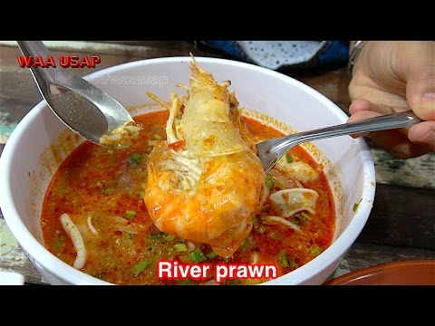 "The most famous TOM YUM GOONG and noodle restaurant in Thailand ""Pee Aor"""