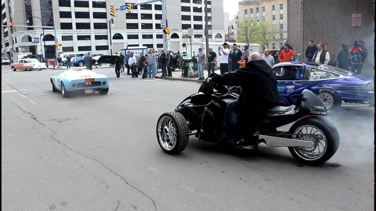 Custom Can Am Spyder Burnout Ford Gt Chevy Monza Leaving 2012
